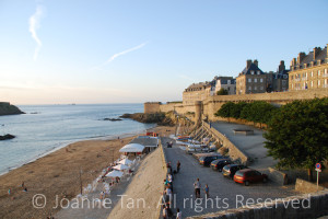 p – architecture – landscape – Buildings, Walls, Cars & Vacationers By the St. Malo Beach, France